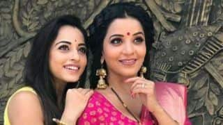 Television Sizzlers Monalisa And Niyati Fatnani Look Stunning in Saree as They Pose With a Swag