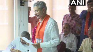 एस जयशंकर और ठाकोर ने गुजरात से राज्यसभा चुनाव के लिए उम्मीदवारी का फार्म जमा किया