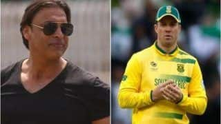 Shoaib Akhtar Slams AB de Villiers For Choosing Money Over Country | WATCH VIDEO