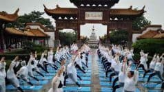 International Yoga Day 2019: शुरू हो गई योग दिवस की तैयारियां, बारिश में रेन कोट पहन किया योगासन