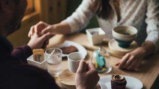 रोमांस में रहे सावधान, फ्री के खाने के लिए डेट पर जाती हैं 4 में से एक युवती: स्टडी