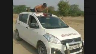 TikTok User Does Push-ups on a Moving Delhi Police Car, Watch Viral Clip