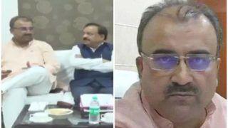 VIDEO: बुखार से दम तोड़ रहे बच्चे, मीटिंग में मैच का स्कोर जानने को चिंतित दिखे स्वास्थ्य मंत्री