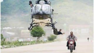 Sooryavanshi: Akshay Kumar Just 'Casually Hang's Off a Helicopter' in New Still From The Sets of Film
