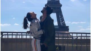 Hina Khan's Cliched Picture With Beau Rocky Jaiswal Infront of Eiffel Tower Will Still Have You Swooning Over!
