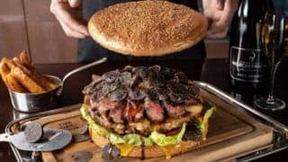 This Restaurant in Tokyo Serves 3kg Giant Burger For Rs 70,000, Here's What it Contains