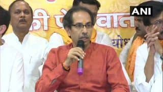 Uddhav Thackeray Reaches Ayodhya With Shiv Sena MPs, Offers Prayers at Makeshift Ram Temple