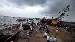 Cyclone Vayu: गुजरात तट पर चक्रवात 'वायु' के दस्तक देने की संभावना नहीं, अलर्ट अब भी जारी