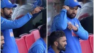 Rohit Sharma Motivating Ravindra Jadeja During ICC Cricket World Cup 2019 Semi-Final 1 Between India-New Zealand is Unmissable | WATCH VIDEO