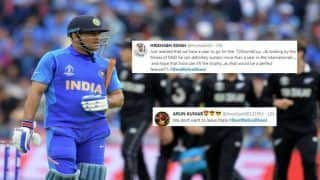 'Dont Retire MS Dhoni' Chants Grow After Former Skipper Nearly Does The Impossible During ICC Cricket World Cup 2019 Semi-Final 1 Between India-New Zealand | SEE POSTS
