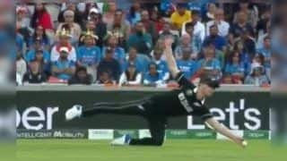 Jimmy Neesham Takes Superb Catch to Dismiss Dinesh Karthik During ICC Cricket World Cup 2019 Semi-Final 1 Between India-New Zealand | WATCH VIDEO