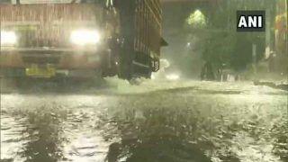 भारी बारिश से बेहाल हुई मुंबई, महालक्ष्मी एक्सप्रेस फंसी, NDRF की टीम बुलाई गई
