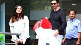 अर्जुन रामपाल ने New Born baby के साथ शेयर की फोटो, तीसरी बार पिता बनने से हुए खुश
