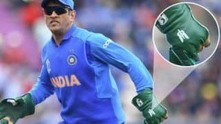 Sporting Balidan Badge to Jumping Off 15 Thousand Feet; Four Times Birthday Boy Mahendra Singh Dhoni With His Patriotic Gesture Showed He Is The Ultimate Indian