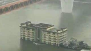 Video of China's Five Storey-Building Cruising on Yangtze River Goes Viral, Real Reason Cracks Twitterati up
