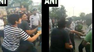 VIDEO: दिल्ली में स्कूटी सवार कपल नशे में, पुलिस ने रोका तो लड़की ने की ऐसी मारपीट