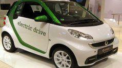 मोदी सरकार इलेक्ट्रिक वाहनों पर घटा सकती है टैक्स, आधे से कम हो सकती है जीएसटी