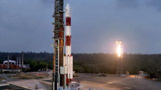 एक बार फिर इतिहास रचने को तैयार इसरो, कार्टोसैट-3 के साथ 13 उपग्रहों के प्रक्षेपण की उल्टी गिनती शुरू