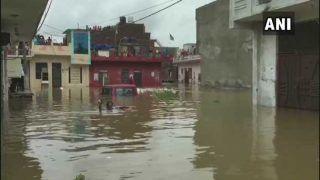 राजस्थान: कोटा और आसपास बाढ़ जैसे हालात, मुश्किल में फंसे लोगों को ऐसे बचाया