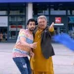 Jhootha Kahin Ka Song Munde Da Character Out: Rishi Kapoor Hilariously Finds Out 'Dal Mein Kuch Kaala' in Omkar Kapoor's Behaviour