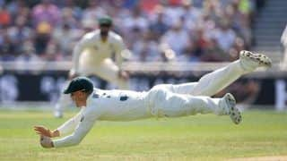 Ashes 2019: David Warner Takes a Marvelous Catch to Dismiss English Skipper Joe Root on Day 4 at Headingley | WATCH VIDEO