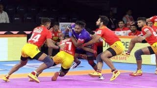 Pro Kabaddi League 2019 HIGHLIGHTS Match 20: Dominant Gujarat Fortunegiants Edge Out Spirited Dabang Delhi K.C. 31-26 to Stay Unbeaten