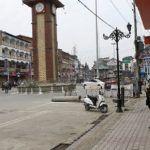 200 से ज्यादा बार हुई पत्थरबाजी, 51 सुरक्षाकर्मी घायल; कश्मीर में क्या है सरकार के दावे की हकीकत