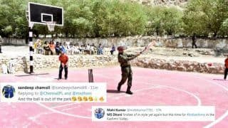 Lt Col MS Dhoni Plays Cricket With Kids in Leh, Twitter Lauds Former Team India Captain | SEE POSTS