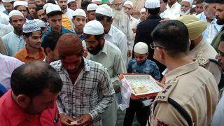 धारा 370 हटने के बाद जम्मू-कश्मीर में पहली बकरीदः बाजारों में खुले ATM, कुर्बानी के लिए मंडी में ढाई लाख बकरों का इंतजाम