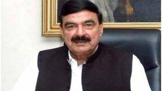 पाकिस्तान के रेल मंत्री पर लंदन में हमला, मारे गए घूंसे और फेंके गए अंडे