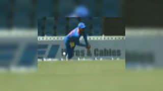 Virat Kohli Takes Breathtaking Catch to Dismiss Chris Gayle, Indian Captain Then Hugs Ex-RCB Mate During 3rd ODI | WATCH VIDEO