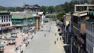 J&K: Restrictions Lifted After Two Months; Valley to Welcome Tourists From Today