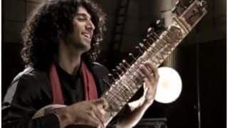 Aditya Roy Kapur's Throwback Video Playing Sitar Rekindles Our Crush Levels, Sonakshi Sinha-Varun Dhawan go Gaga Over Viral Video