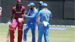 Virat Kohli Teaches Dance Moves to Chris Gayle And Kedar Jadhav During Rain-Hit 1st ODI Between India And West Indies in Guyana | WATCH VIDEO