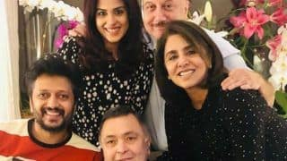 Rishi Kapoor Enjoys 'Ghar Ka Khana' With Riteish Deshmukh, Genelia in New York