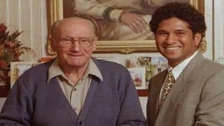 Sachin Tendulkar Pays Heartwarming Tribute on Twitter to Don Bradman on His 111th Birth Anniversary, Shares Old Picture With Greatest Ever Batsman