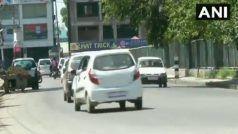 कश्मीर में दिन में प्रतिबंधों में छूट जारी, स्कूलों से छात्र नदारद