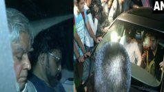 जादवपुर यूनिवर्सिटी में केंद्रीय मंत्री बाबुल सुप्रियो के साथ धक्का-मुक्की, बाल तक खींचे
