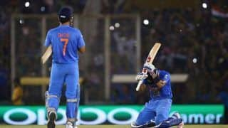Indian Cricket Team Captain Virat Kohli Heaps Praise on Mahendra Singh Dhoni, Says Experience of Wicketkeeper is Unmatchable