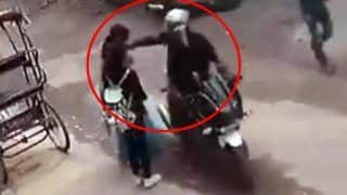 Watch | Brave Mother, Daughter Spoil Chain Snatching Bid, Thrash Biker as His Accomplice Flees