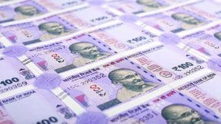Amid Slowdown Concerns, Rupee Weakens to 72.40 Mark Against US Dollar