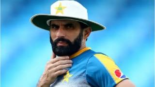 पाक कोच मिसबाह उल हक ने कश्मीर से जुड़े सवाल को टाला, बोले- क्रिकेट की बात करें