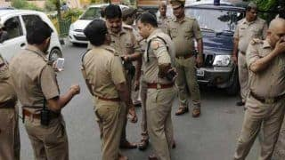 बुजुर्ग बस में भूला रुपयों से भरा बैग, फिर नोएडा पुलिस ने जो किया, हर कोई कर रहा उसकी तारीफ