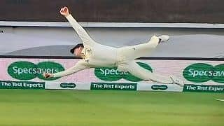 Ashes 2019: Steve Smith Takes Brilliant One-Handed Catch to Send Chris Woakes Packing at Oval During 5th Test | WATCH VIDEO