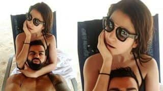 Virat Kohli's Crazy Expression in Cozy Picture With Wife Anushka Sharma is Your Holiday Selfie Goal | PIC