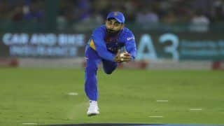 India vs South Africa: Virat Kohli Takes a Stunning Catch to Send Quinton De Kock Packing During 2nd T20I at Mohali | WATCH VIDEO