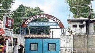 जम्मू-कश्मीर: जेलों में कैदियों को मिलेगी फोन की सुविधा, रिश्तेदारों और वकीलों से कर सकेंगे बात