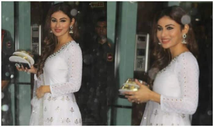 Mouni Roy's Sizzling Look in Rain on The Occasion of Ganesh