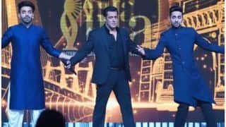 Salman Khan Recreating Shah Rukh Khan's Signature Pose With Khurrana Brothers at IIFA Awards 2019 is Treat For Fans!