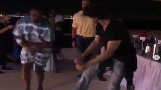Video: समुद्र में बोट को बनाया डांस फ्लोर और फिर लुंगी डांस पर जमकर थिरके ब्रावो और शाहरुख खान